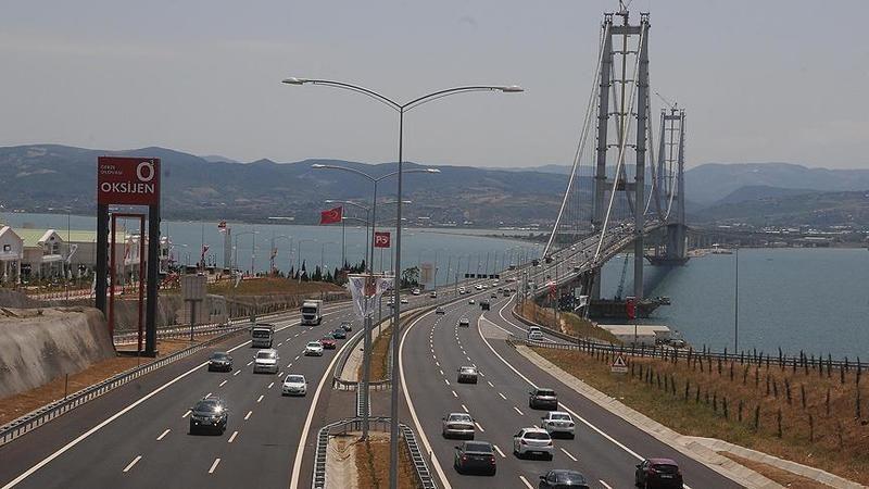 Osmangazi Köprüsü ve İzmir-İstanbul Otoyolu'nda geçiş rekoru kırıldı