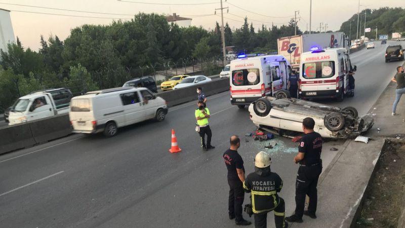 Kocaeli'de takla atan otomobilde bulunan 3 kişi yaralandı