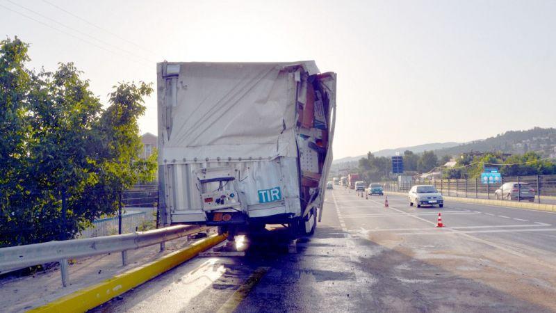 Kocaeli'de trafik kazasında 4 kişi yaralandı
