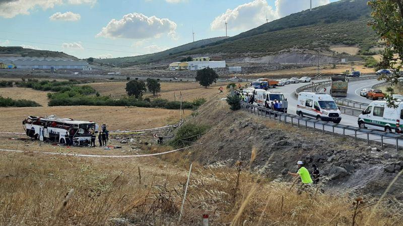 Balıkesir'de yolcu otobüsü devrildi: 15 kişi öldü, 18 kişi yaralandı