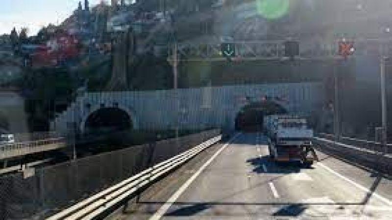 Kocaeli Tem'de yol trafiğe kapandı