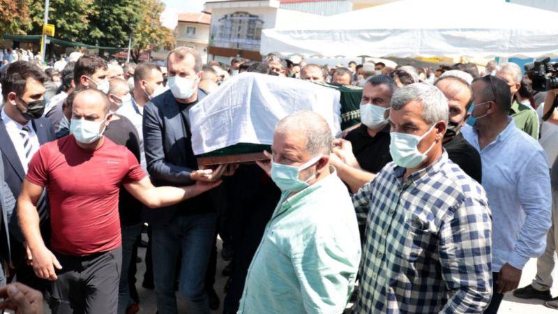 Kamu Görevlileri Etik Kurulu Üyesi İbrahim Karaosmanoğlu'nun annesi toprağa verildi