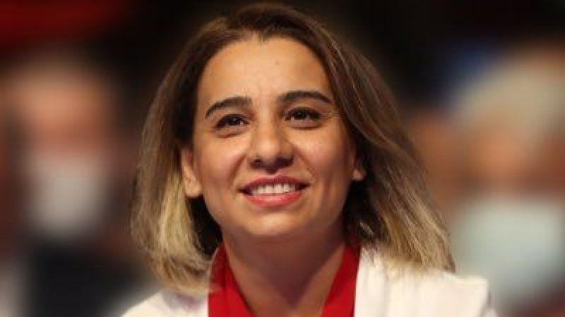 Sakarya Barosu tarihinde ilk kadın başkan olmanın mutluluğunu yaşıyor