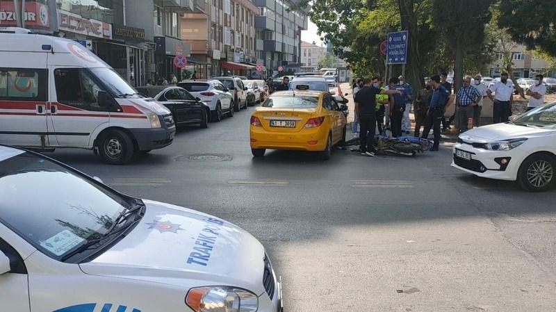 Kocaeli'de taksi ile motosiklet çarpıştı: 1 yaralı