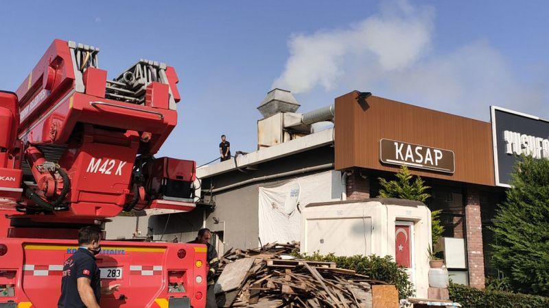 Kocaeli'de bir iş yerinin bacasında çıkan yangın söndürüldü