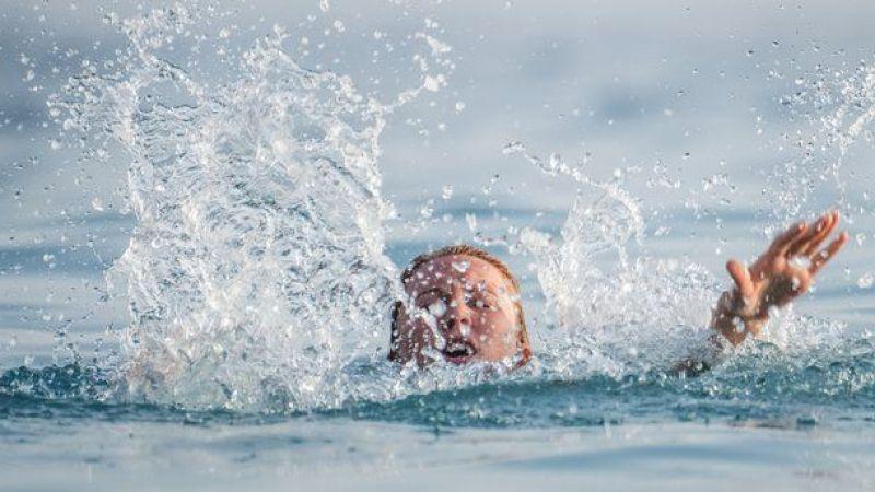 Sakarya'da denizde hareketsiz bulunan çocuk hayatını kaybetti