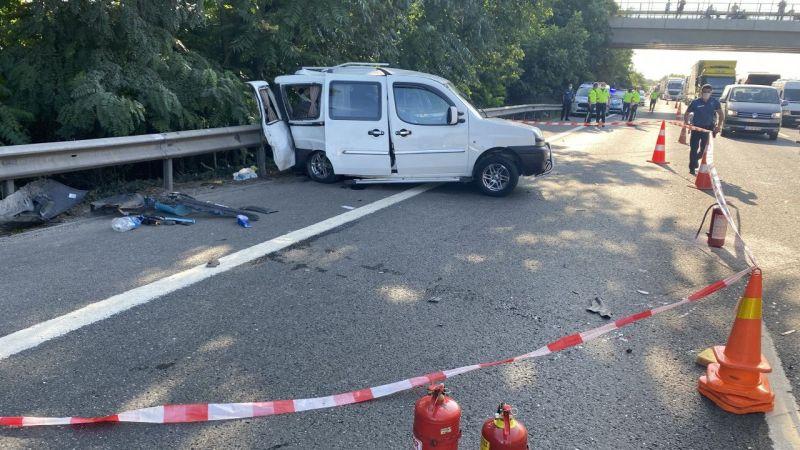 Otoyolda kaza:1 ölü 3 yaralı