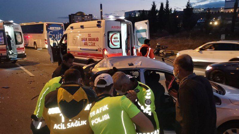 Anadolu Otoyolu'nda zincirleme trafik kazası: 1 ölü, 2 yaralı