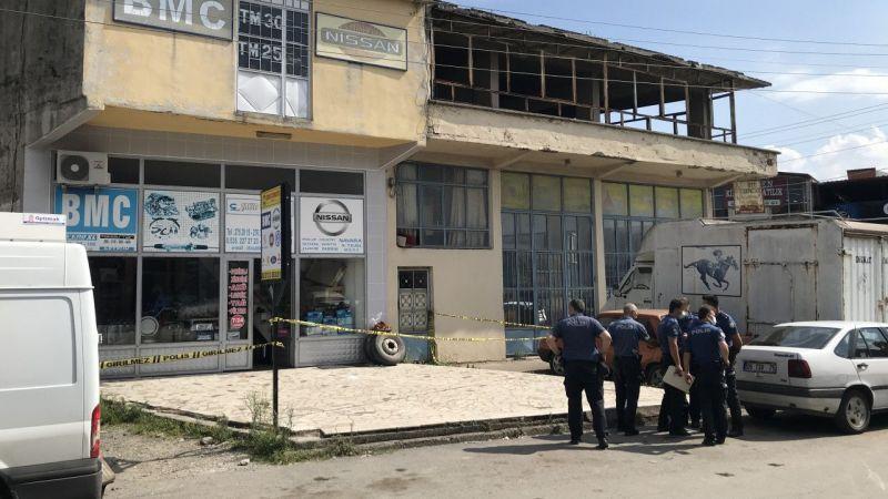 Sakarya'da tartıştığı 2 oğlunu tabancayla yaralayan baba yakalandı
