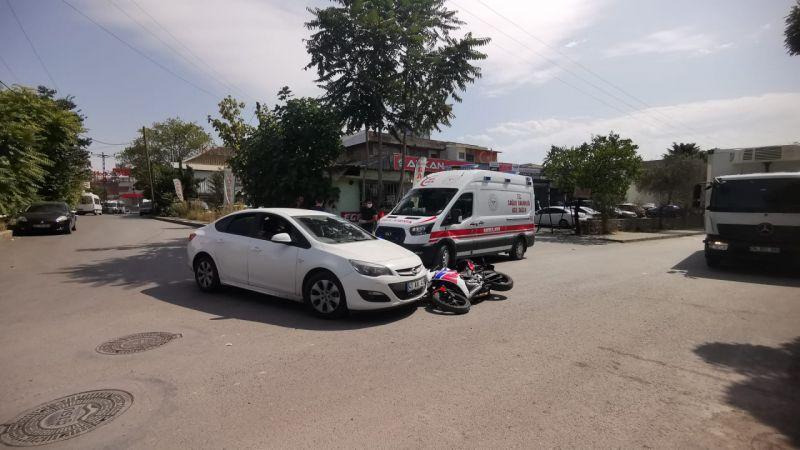 Kocaeli'de otomobille çarpışan motosikletin sürücüsü yaralandı