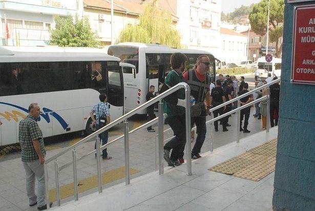 AYDIN'DA 27 SAĞLIK GÖREVLİSİ SERBEST BIRAKILDI