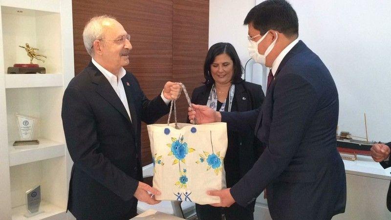 Başkan Özcan Kılıçdaroğlu'nu karşıladı