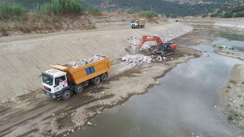 Çine Çayı'nda ıslah çalışmaları devam ediyor
