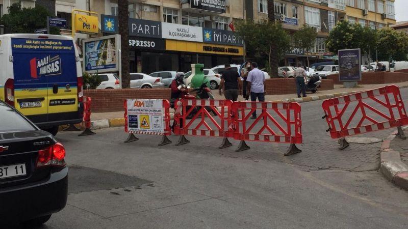 Nazilli'de AYDEM'in çalışması trafiği felç etti
