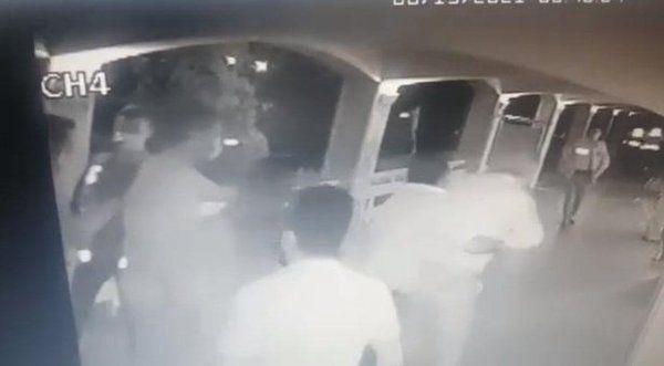 CHP'Lİ BAŞKANDAN POLİSE YUMRUK