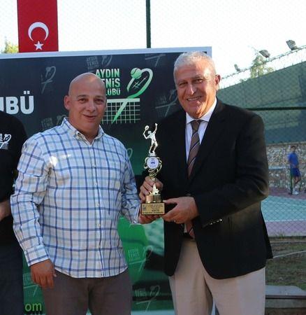 Efeler Belediyesi Tenis Turnuvası ödülleri törenle verildi