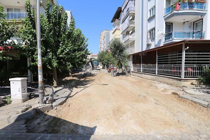 Efeler'de yollar yenileniyor
