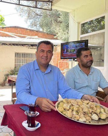 Nazilli'de sezonun ilk kuru inciri satıldı