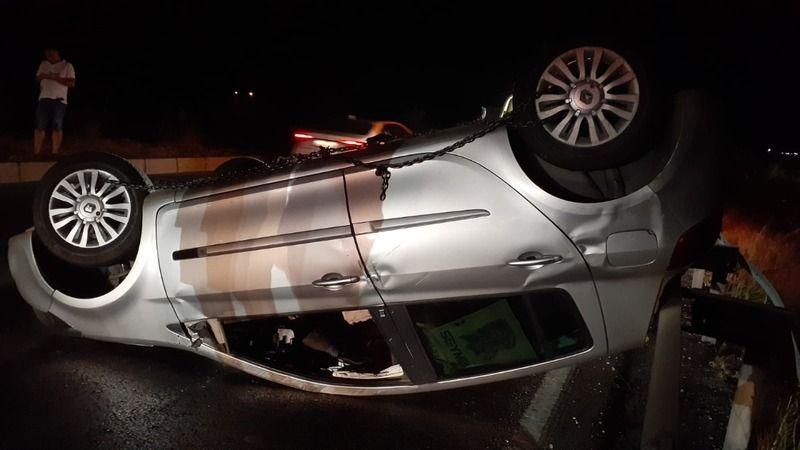 Söke'de 2 araç çarpışarak metrelerce sürüklendi