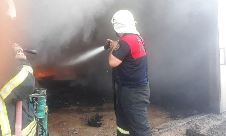 Karacasu'da depo yangını
