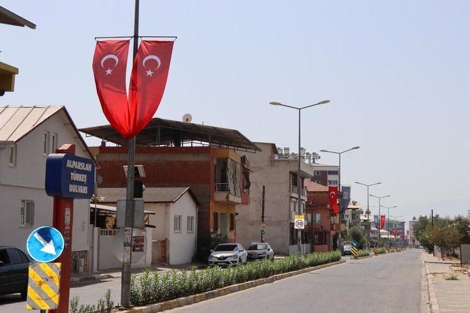 Nazilli'de Türk bayrakları dalgalanıyor