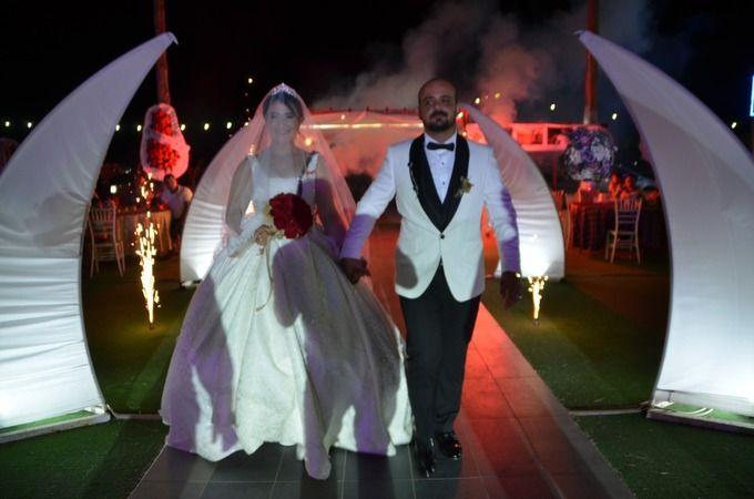 Söke'de İYİ Partili meclis üyesi oğlunu evlendirdi