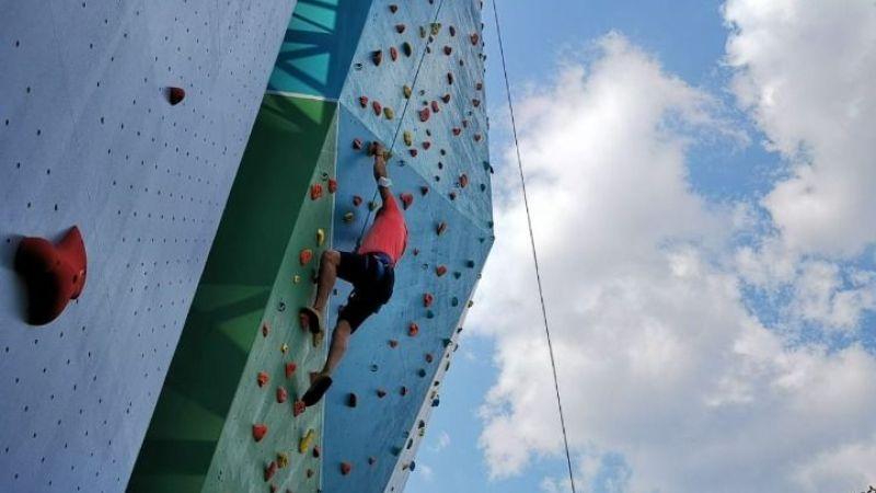 Efeler'deki tırmanma duvarına yoğun ilgi