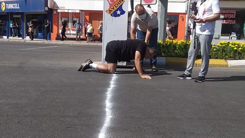 Fenalaşsa da yarışı bitirmekten vazgeçmedi