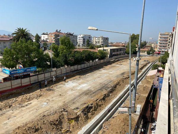 Erim Büyükşehir'i topa tuttu