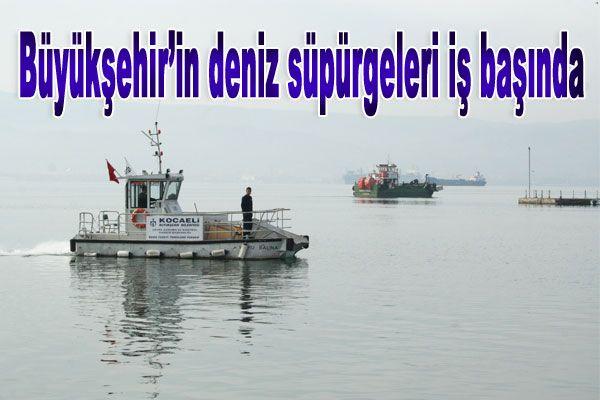 Büyükşehir'in deniz süpürgeleri iş başında