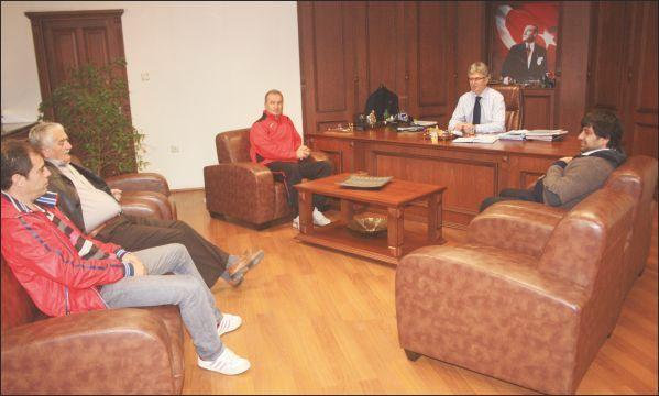 Kavaklı Spor Kulübü Başkanı Çağlar Ellibeş'i ziyaret etti