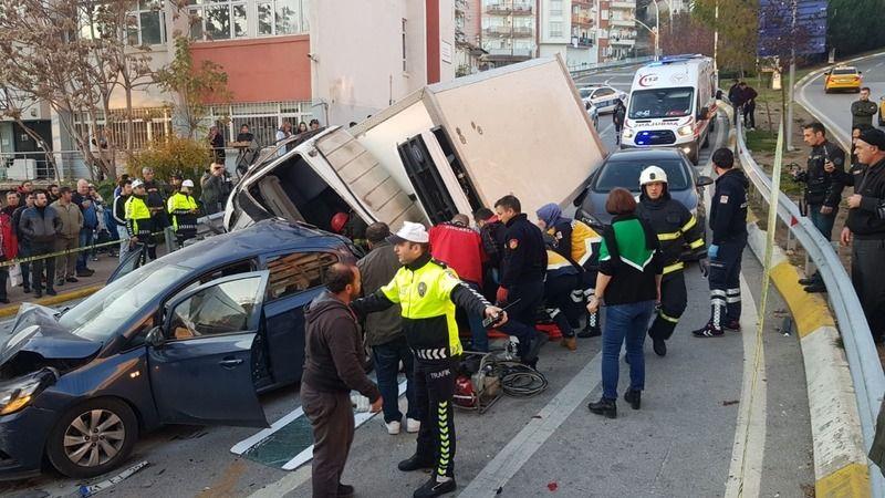 Santral Yokuşu'nda korkunç kaza: Yaralılar var!