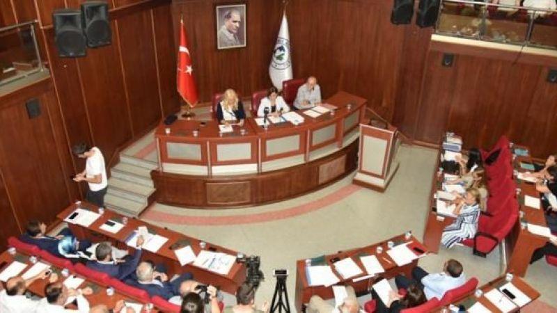 Ak Parti: İzmit Belediyesi batıyor!
