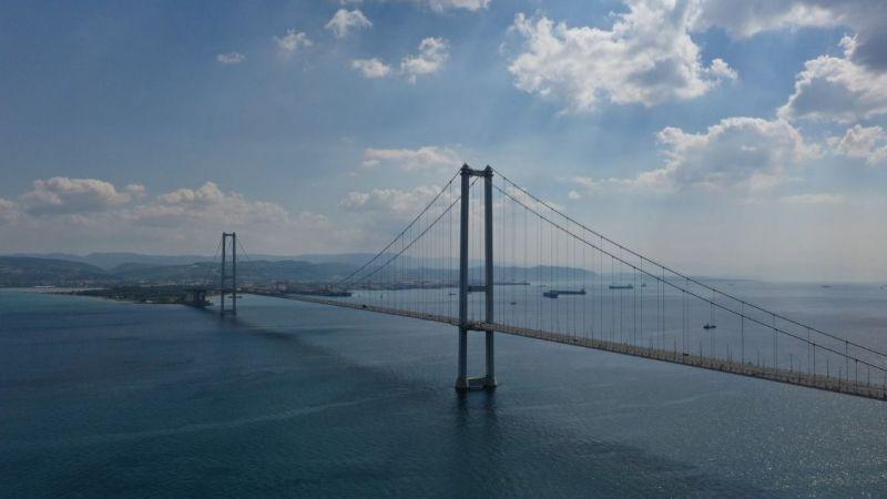 Osmangazi Köprüsü manzaralı sahil park