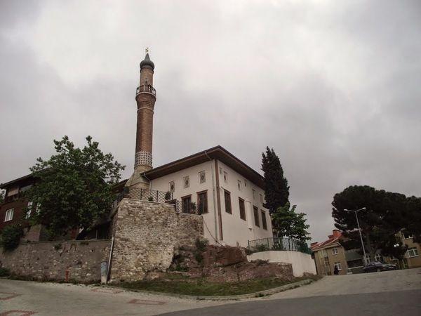 Tarihi Akçakoca Camii'ne portatif çadır