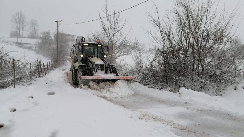 İzmit'te kar mesaisi devam ediyor