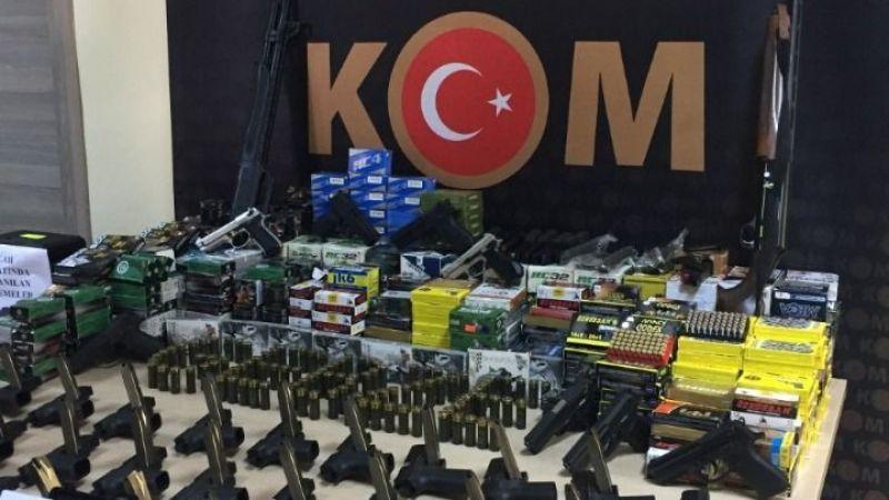 Kocaeli'de silah kaçakçılarına operasyon: Onlarca silah binlerce fişek...