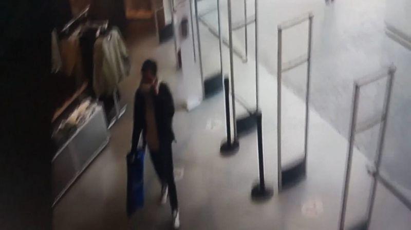 Giyim mağazalarını soyan hırsızlar suçüstü yakalandı