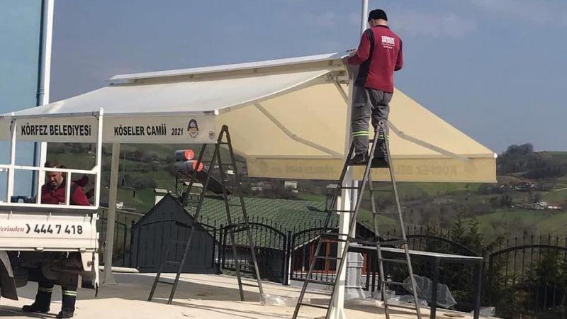 Köseler Camii'nin bahçesine tente