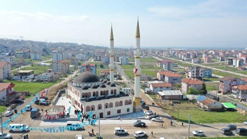 Mehmed Akif Ersoy Camii dualarla ibadete açıldı