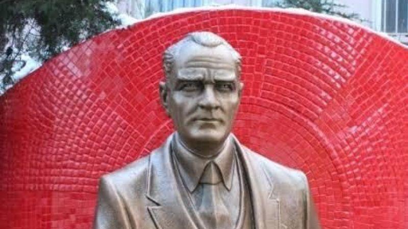 Atatürk Heykeli'ne 72 bin TL! Üstelik benzemiyor...