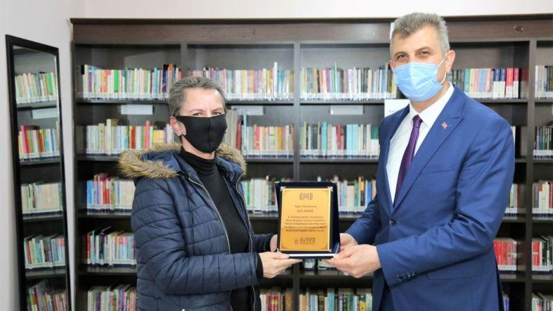 Başkan Sezer, en çok kitabı okuyanlarla buluştu