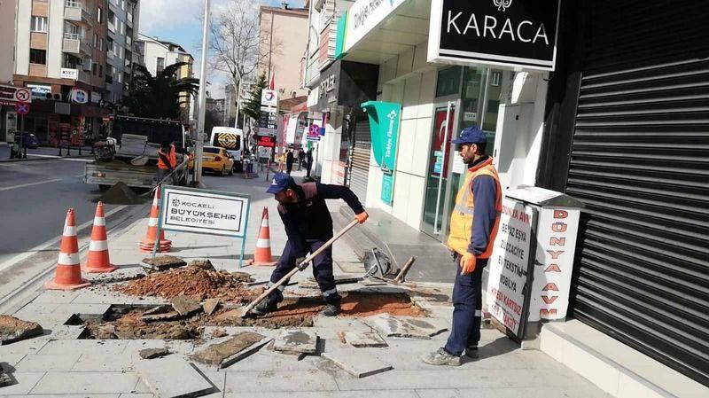 Sokağa çıkma kısıtlamasında yaya kaldırımları onarıldı