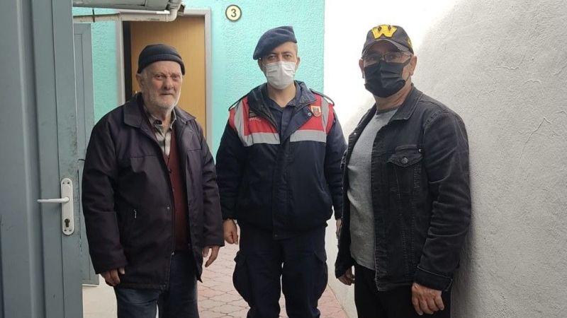 Kaybolan alzheimer hastası adamı jandarma ekipleri buldu