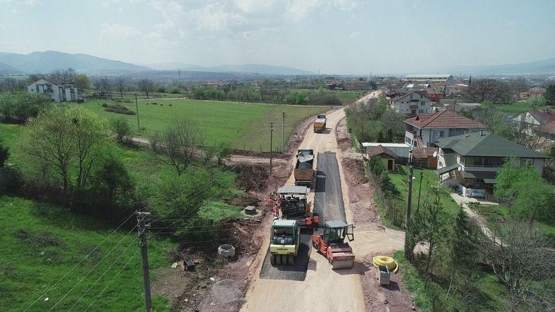 Bağdat Caddesi'nde asfalt serimine başlandı