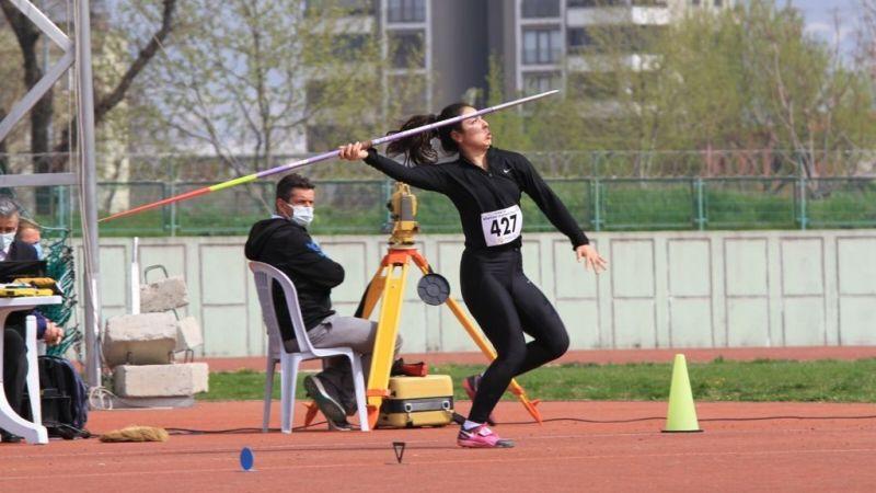 İzmitli sporcular Bursa'dan rekorla döndü