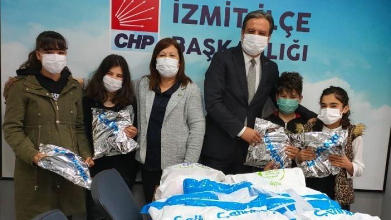 CHP İzmit çocukları sevindirdi