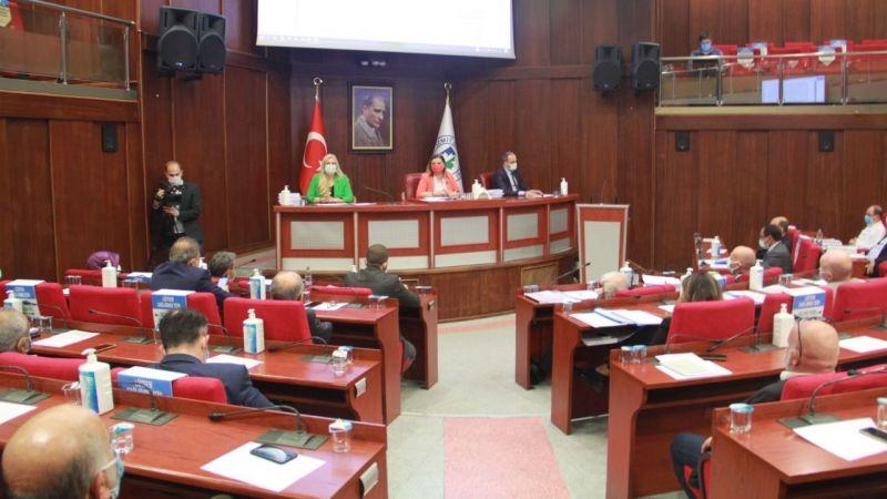 İzmit Belediye Meclisi ertelendi