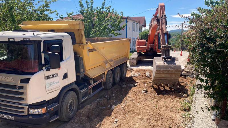 İzmit'in köy yollarında hummalı çalışma