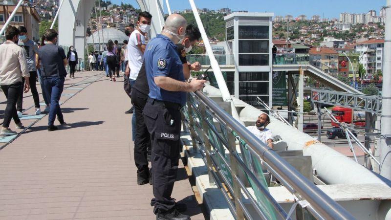 Köprüye çıkıp intihara kalkıştı: Başkanla görüşmek istedi